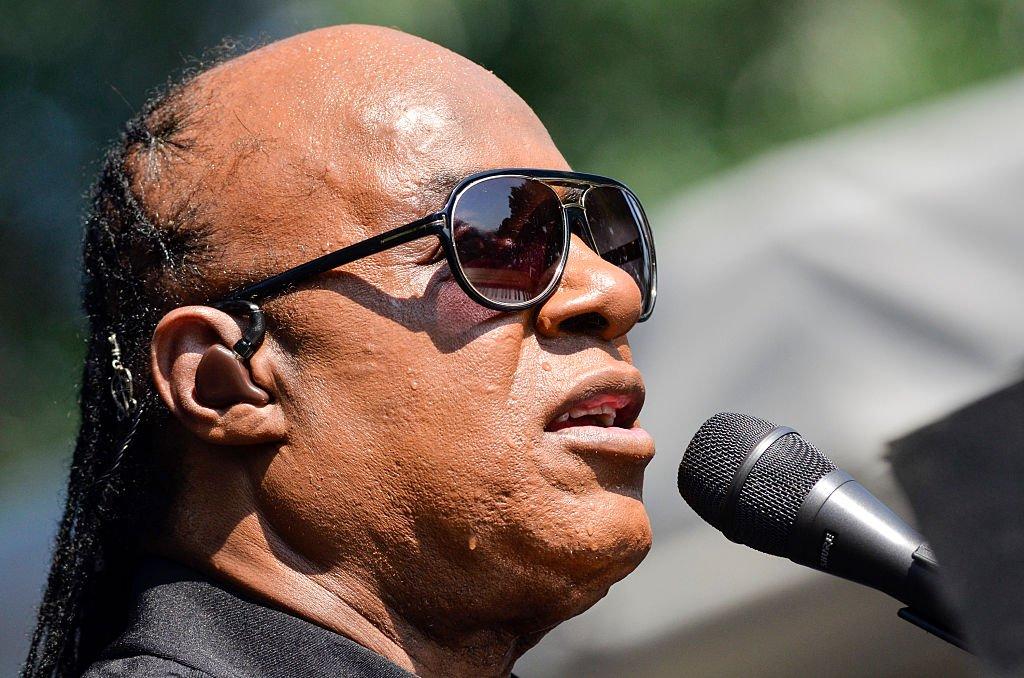 Stevie Wonder drops TRUTH BOMB on 'Black Lives Matter' https://t.co/hW...