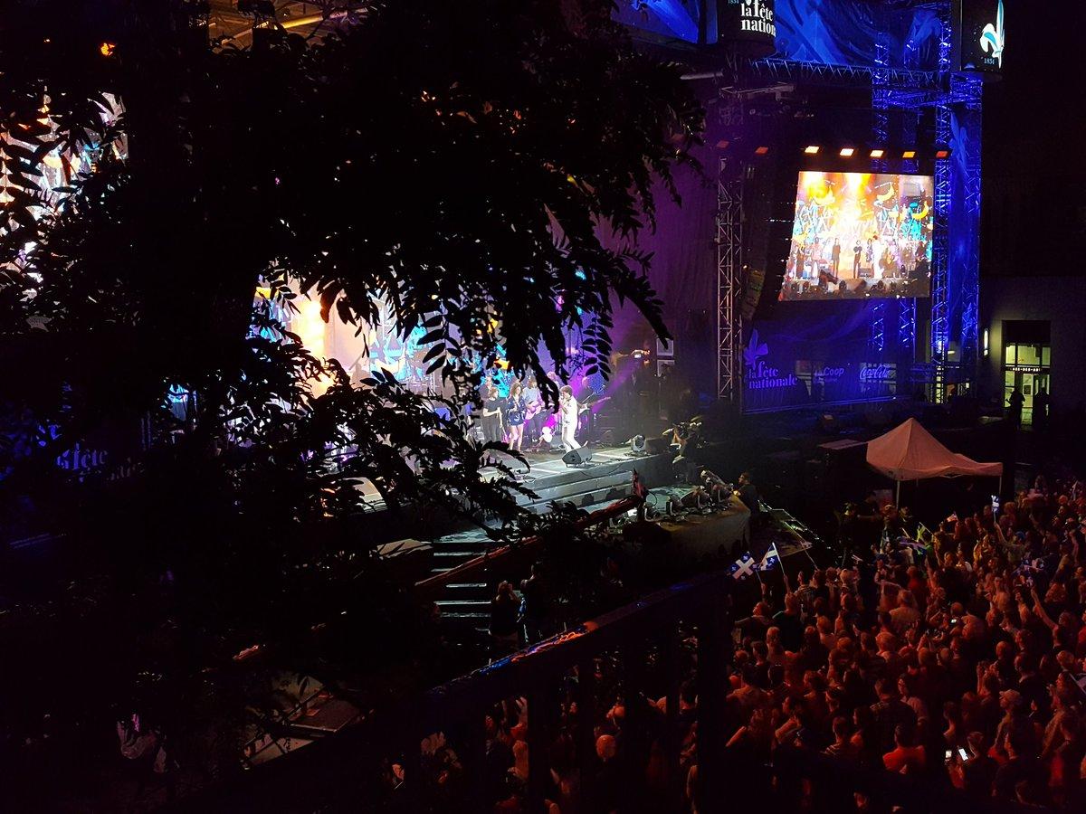 Charlebois est en feux ce soir! Great show! Bonne fête Québec! #SaintJ...