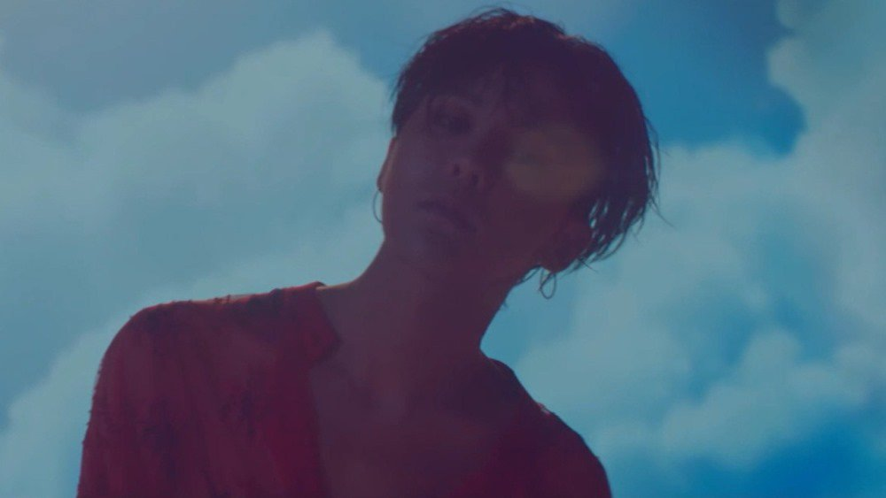 G-Dragon wins #1 + Performances from June 24th 'Show! Music Core'! htt...