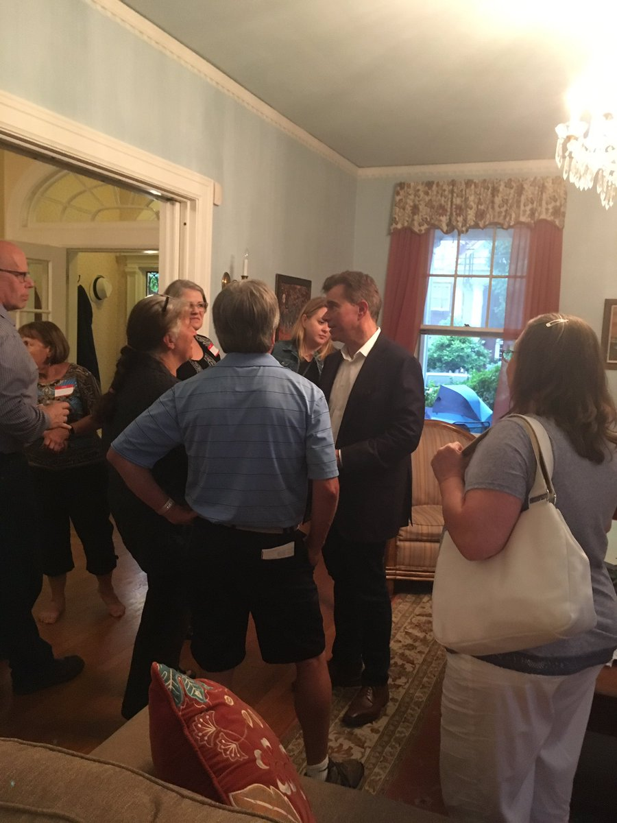 #WoodCountyIndivisible &amp; the local #DemocraticParty met with @ralphbaxter this evening. #RalphBaxter is considering running for #congress <br>http://pic.twitter.com/ZfX9Dnsrfu