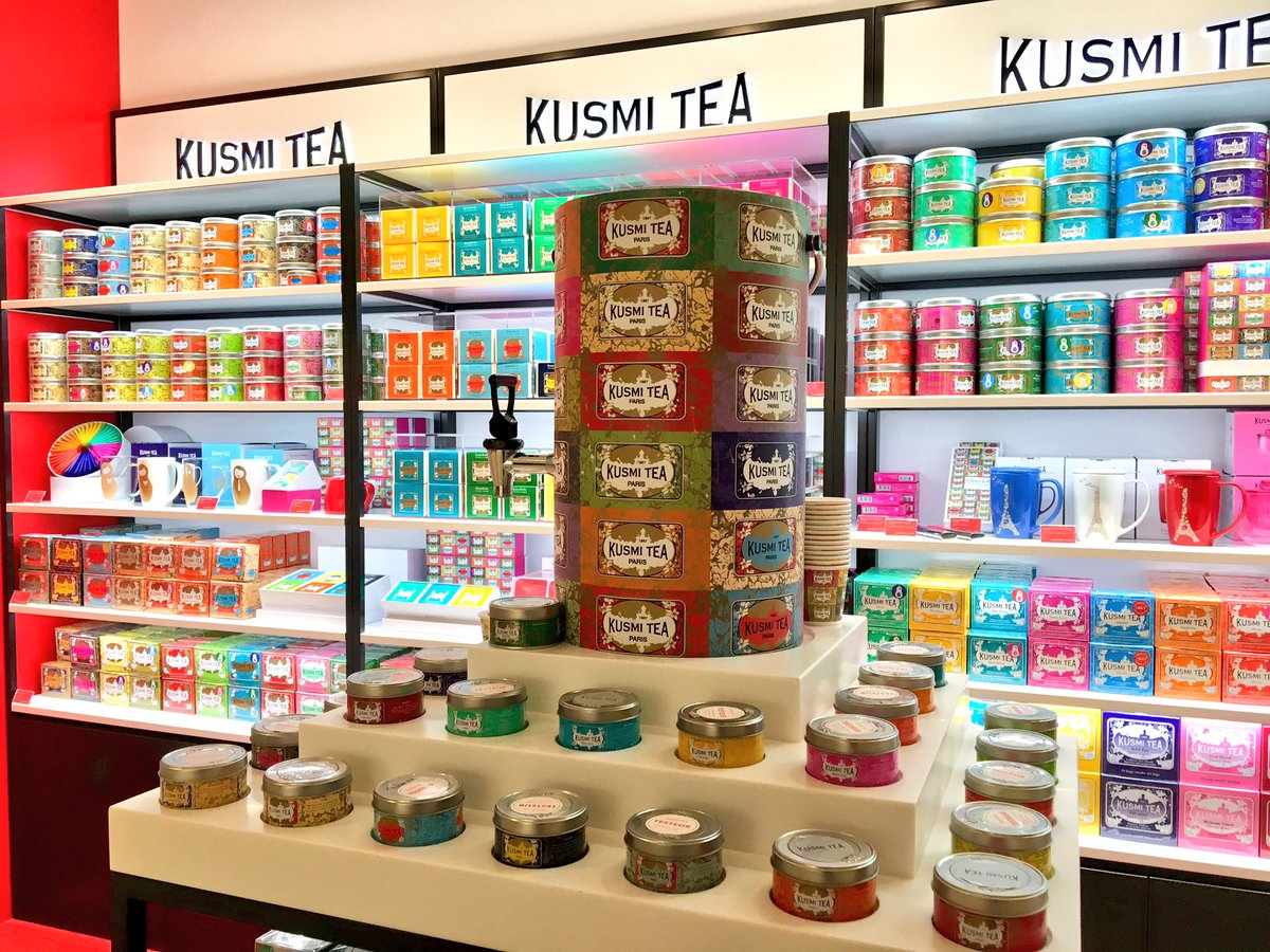 フランス発の紅茶のブランド、クスミティの日本直営店が丸ビルB1Fにあります。可愛いパッケージにブレンドやフレーバーも豊富!デトックス効果でセレブの間でも話題なのだとか。新しいお店で広めてくださいと言われたので東京駅へお越しの際には是非。
