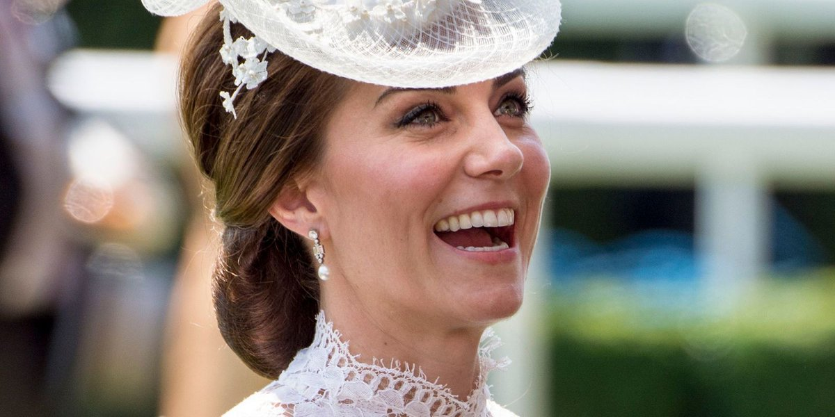 The Duchess of Cambridge saved a countess from falling out of a carriage at Royal Ascot https://t.co/FL84xNQvS6