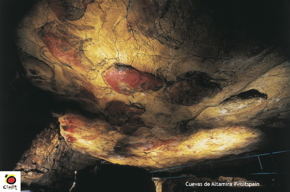 #DidYouKnow The Cave of Altamira and its 13,000-year-old paintings are a UNESCO World Heritage Site. #Cantabria #VisitSpain @museodealtamira<br>http://pic.twitter.com/IxPfOpkhWd