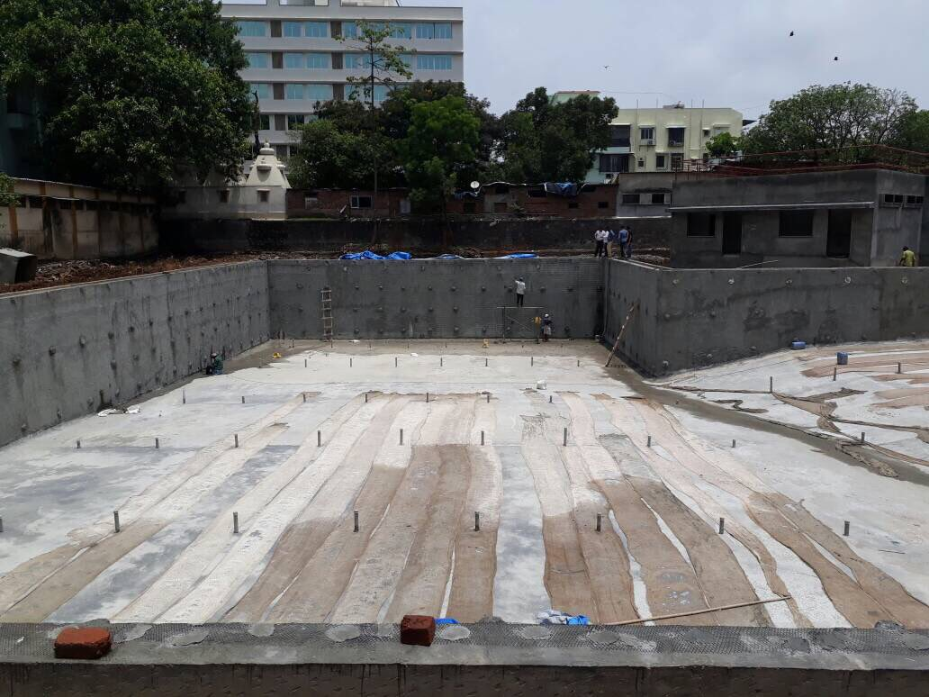 @AUThackeray @ChemburChapters Chembur BMC Arun Kumar swimming pool work in progress. Should start after Monsoon #Shivsena 4 #Development<br>http://pic.twitter.com/SkWPWiwtnL
