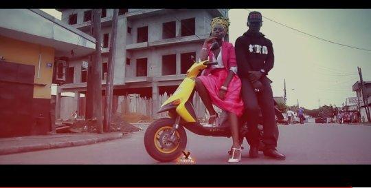 Le Cameroun qui gagne !  Billboard queen × Mr. TDTVD × TamersBike   #OnFleek  #FaroFaro<br>http://pic.twitter.com/UD5M0Obe0u