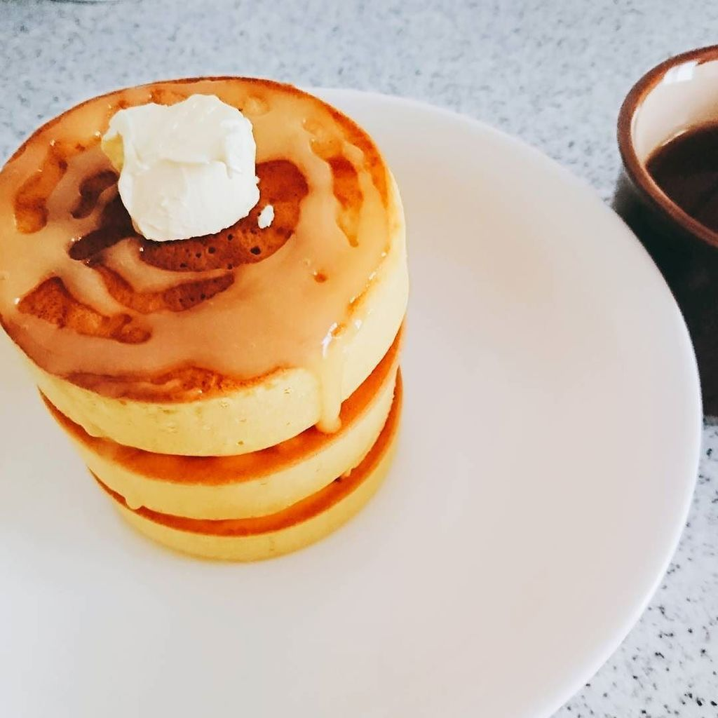test ツイッターメディア - 「ふんわり厚焼きホットケーキ型」を使ってみた! . 100グラムのホットケーキミックスで3段に . 1つ作るのに10分掛かるから、あと2つ型を買ってきて、次は同時に3つ作ろうっと?? . #パンケーキ #ホットケーキ #セリア #… https://t.co/LHbjlaklyO https://t.co/DHSYrM8fXH