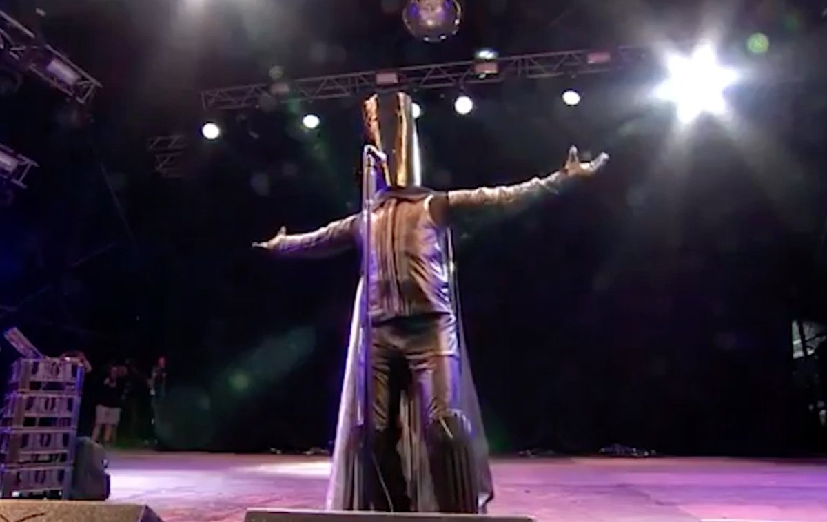 Lord Buckethead on Brexit: 'A mouldy pain au chocolat negotiate better than Theresa May' https://t.co/rE9dSnOWrD