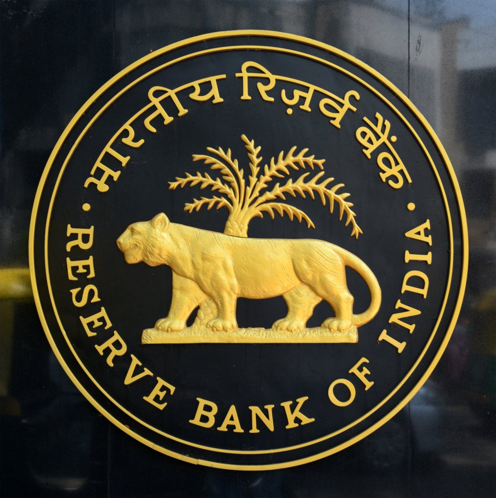 States' fiscal deficit soars to Rs 4.93 lakh crore in FY16: RBI https:...