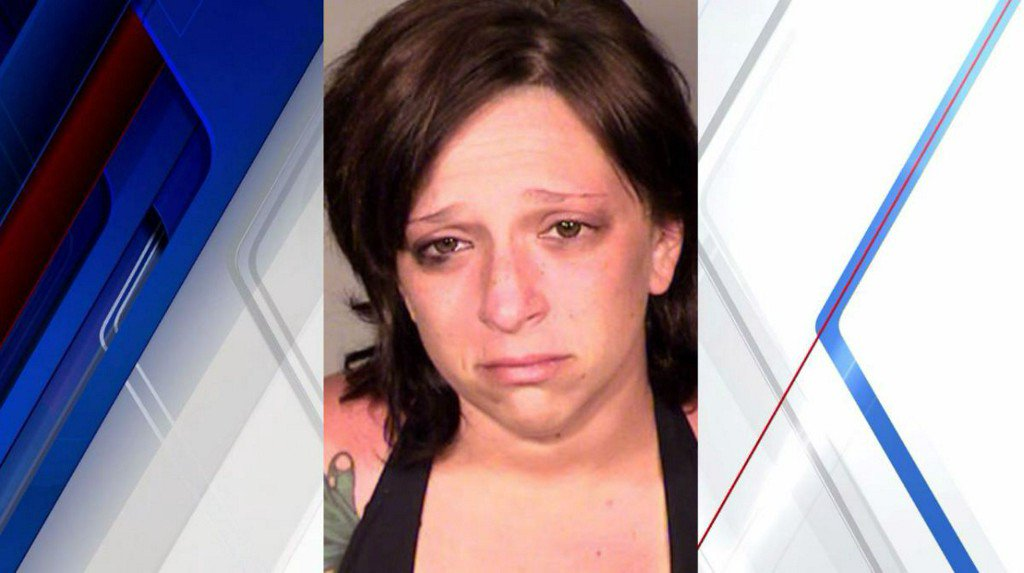 New London PD: woman overdosed, passed out at wheel with children in car https://t.co/pQJyPDWBxX