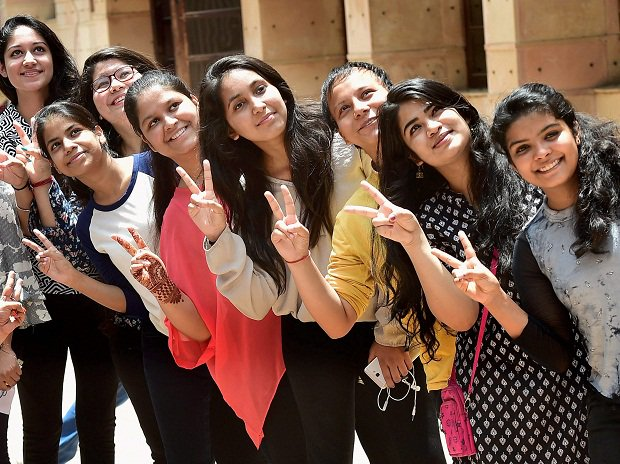 DU cut-off list 2017: Full list for admission to Delhi University colleges https://t.co/P86HSACo7i #ducutoff #DUadmissions