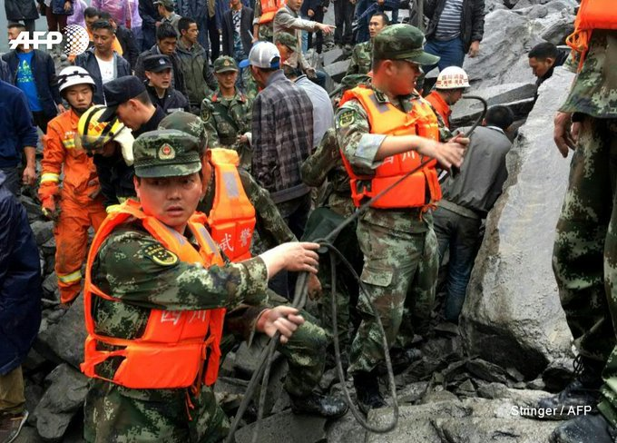 #UPDATE  Chinese rescuers search for more than 140 people feared buried by landslide in southwes #Sichuant  provinhttps://t.co/WuvkJysB2Qce