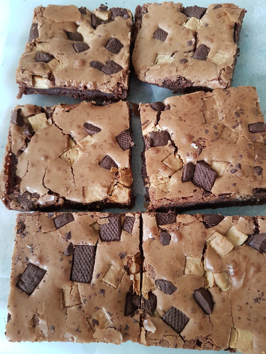 Chocolate brownies with double choc chips for @CliftonvilleFM  #chocolate #lotsofchocolate #chocolatechips #brownies #farmersmarket<br>http://pic.twitter.com/X5FLUTo6Cv