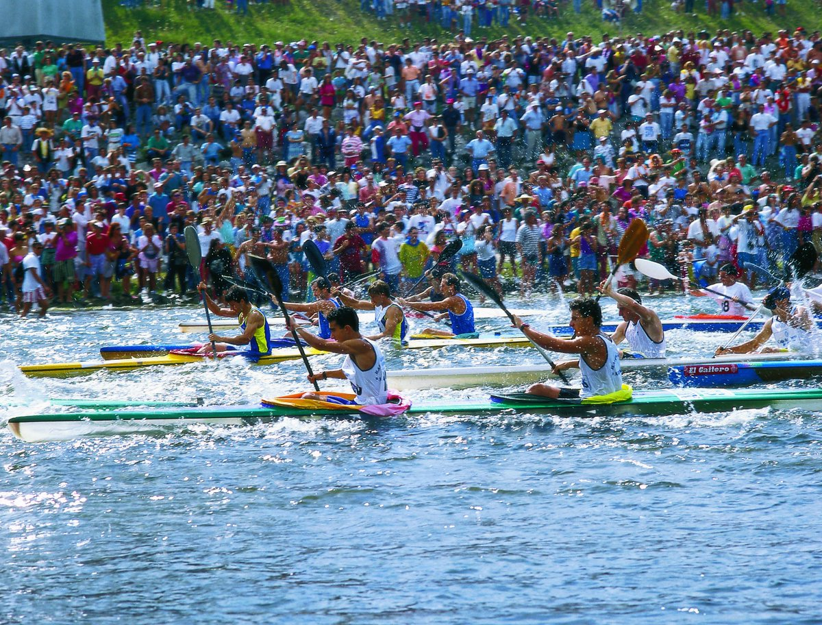 Every year,on the first Saturday in August, #canoeists from all over the world come to #Asturias. #SellaRiverRace @TurismoAsturias<br>http://pic.twitter.com/35VGFpO9hR
