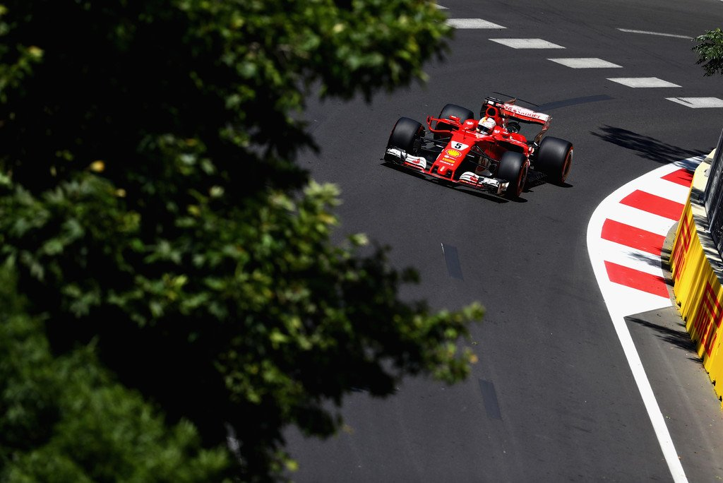 Dove Vedere Partenza Gara GP Azerbaigian 2017 Streaming F1 Gratis: Ferrari vs Mercedes, chi vincerà a Baku?