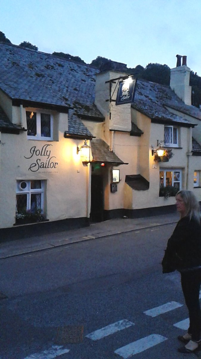 This time next week I'll  be in this pub in Looe. Other good pubs will also be visited.  #ilovelooe #Cornwall