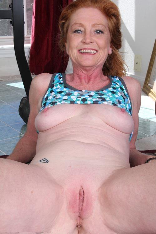 Vanhat Roikkuvat Nude Naiset