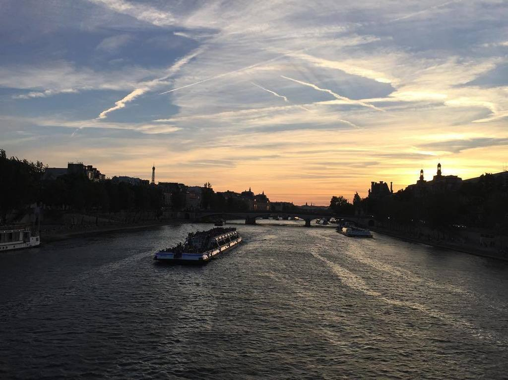 test Twitter Media - The Seine River from Pont Des Arts in the evening, around 9:40PM, still bright in summer time. The breeze was fant… https://t.co/4TEwTmNNM2 https://t.co/rKZVS4MGBm