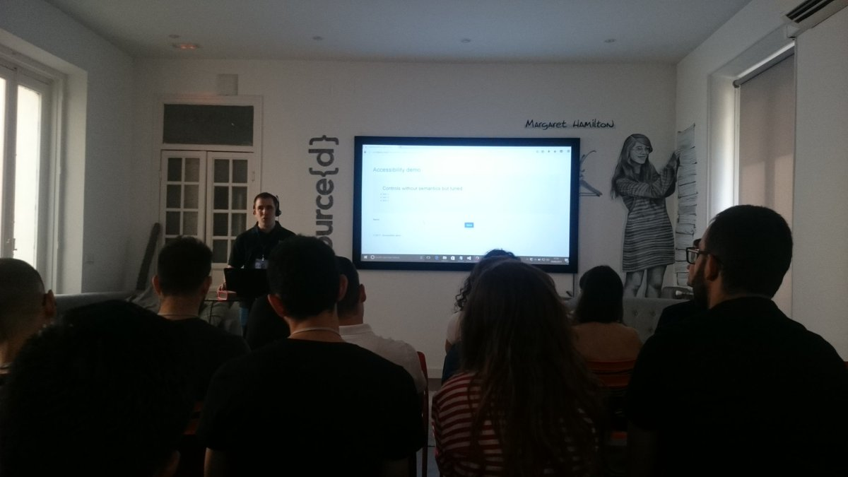 Ultimative answer to #accessibility issues: &quot;Don&#39;t use div for everything.&quot;  Inspiring talk on #a11y principles by @kastwey  @srcd_  #web <br>http://pic.twitter.com/JmMqJPVQK7