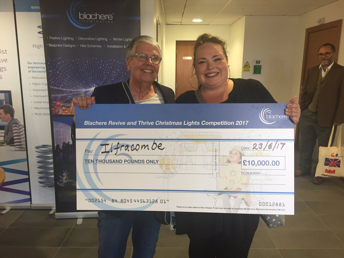 Hello everyone! #firsttweet! We are delighted to have won @blachereuk &amp; @Revive_Thrive&#39;s Xmas Lights Competition yesterday! Eek! #ilfracombe<br>http://pic.twitter.com/nIogfgT0CG