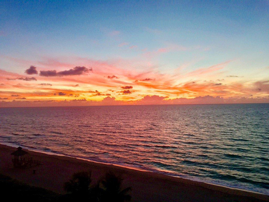 #goodmorning from #MiamiBeach #Blessings #gratitude #gratitude #sunrise<br>http://pic.twitter.com/7MSthmL6za