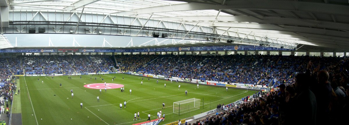 A series of architectural firms have been asked to come up with plans that would increase the capacity of the KP to 42,000 #LCFC <br>http://pic.twitter.com/b9eoRoBGGC
