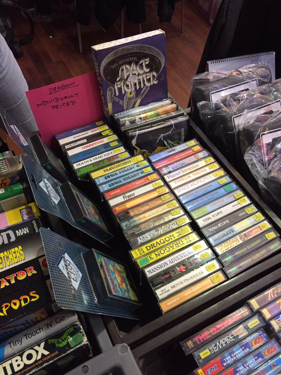 At the Retro Gaming fair in Leeds, and HOLY CRAP there's Dragon 32 gam...