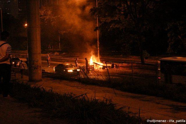 Lo que calla el Gobierno: Barrios pobres de Petare, salieron a Protest...