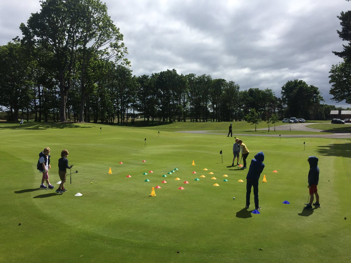 1. Set the Intentions 2. Create the Environment 3. Let them Play 4. Provide feedback (as needed) 5. Reflect #Endeavour #JuniorGolf #Coaching<br>http://pic.twitter.com/MNbSnjaYza &ndash; bij Archerfield Links