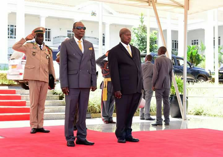 Pres Alpha Condè of #Guinea, #AU Chairman, in #Uganda  for 2-day state visit. Received by Pres #Museveni. #Guinee <br>http://pic.twitter.com/K9fnFAnLld