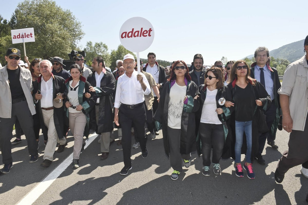 Yürüyorlar, Bizler için, Ülke için, Adalet için  #AdaletinAyakSesleri...