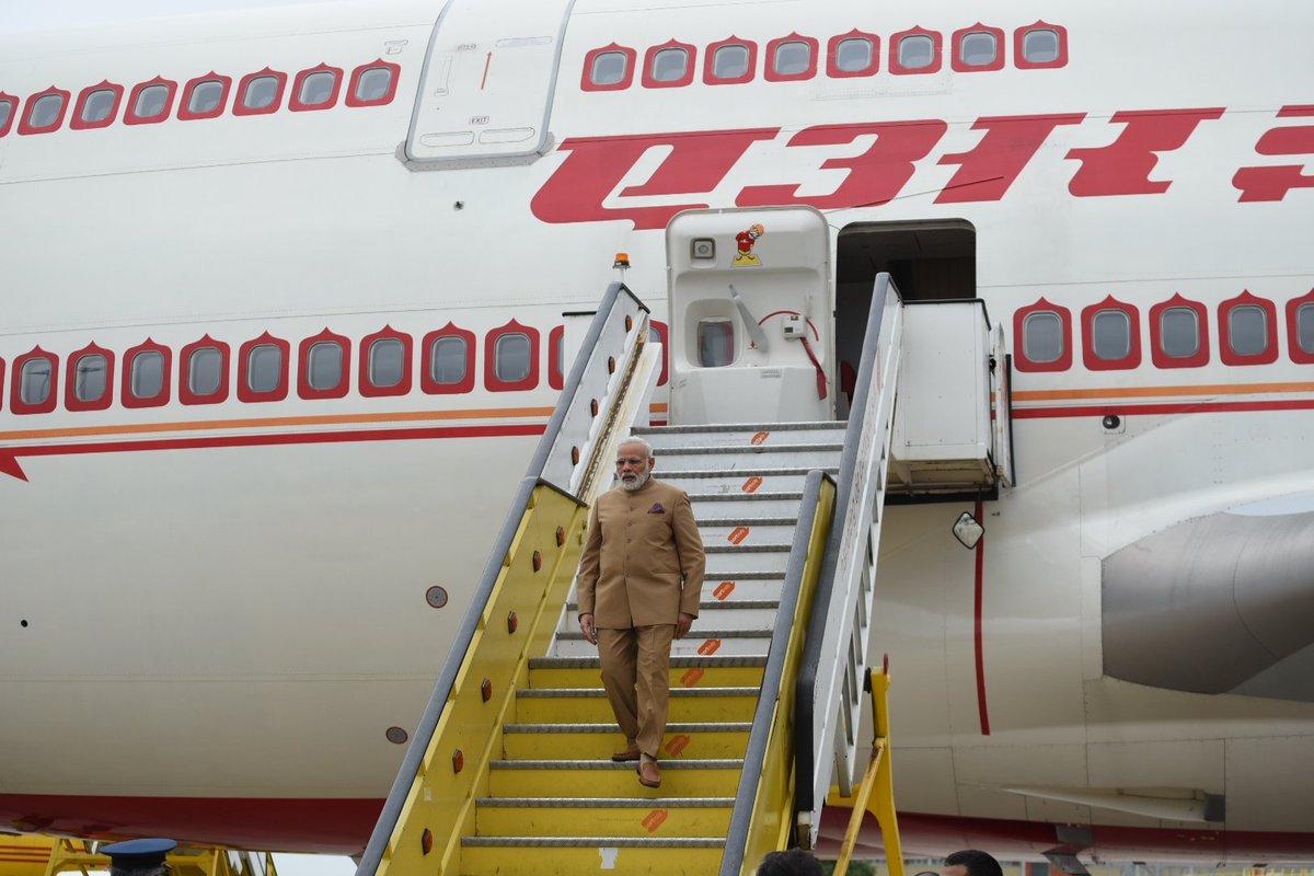 Aterrei em Portugal. A minha breve visita irá fortalecer as relações entre a Índia e Portugal.