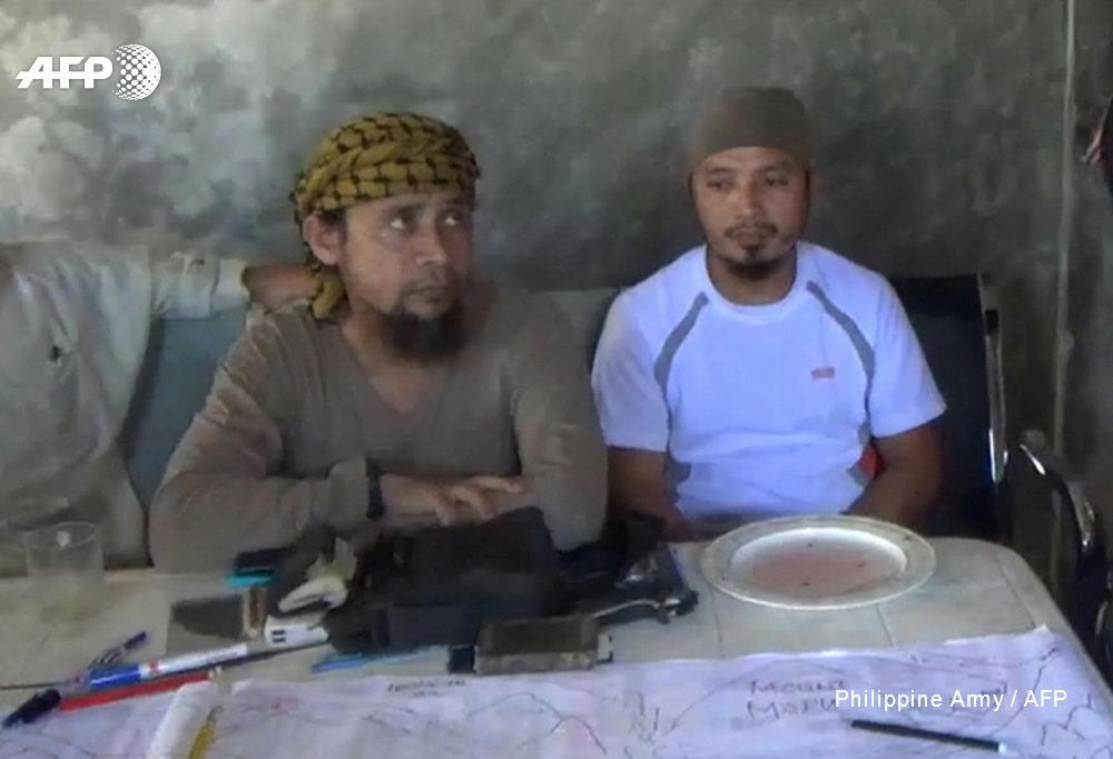 US most wanted terror leader may have fled Philippine city: army https://t.co/f0Q1OeaEHk #Marawi