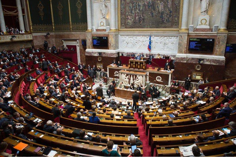 (RTL.fr) Les députés La #République En #Marche font leur grande rentrée à l'Assemblée :.. titrespresse.com/17063041701/re…