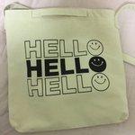 このバッグ見た時、「地獄🙂    地獄🙂    地獄🙂」て書いてあってから、怖っ……て言ったら妹が「…