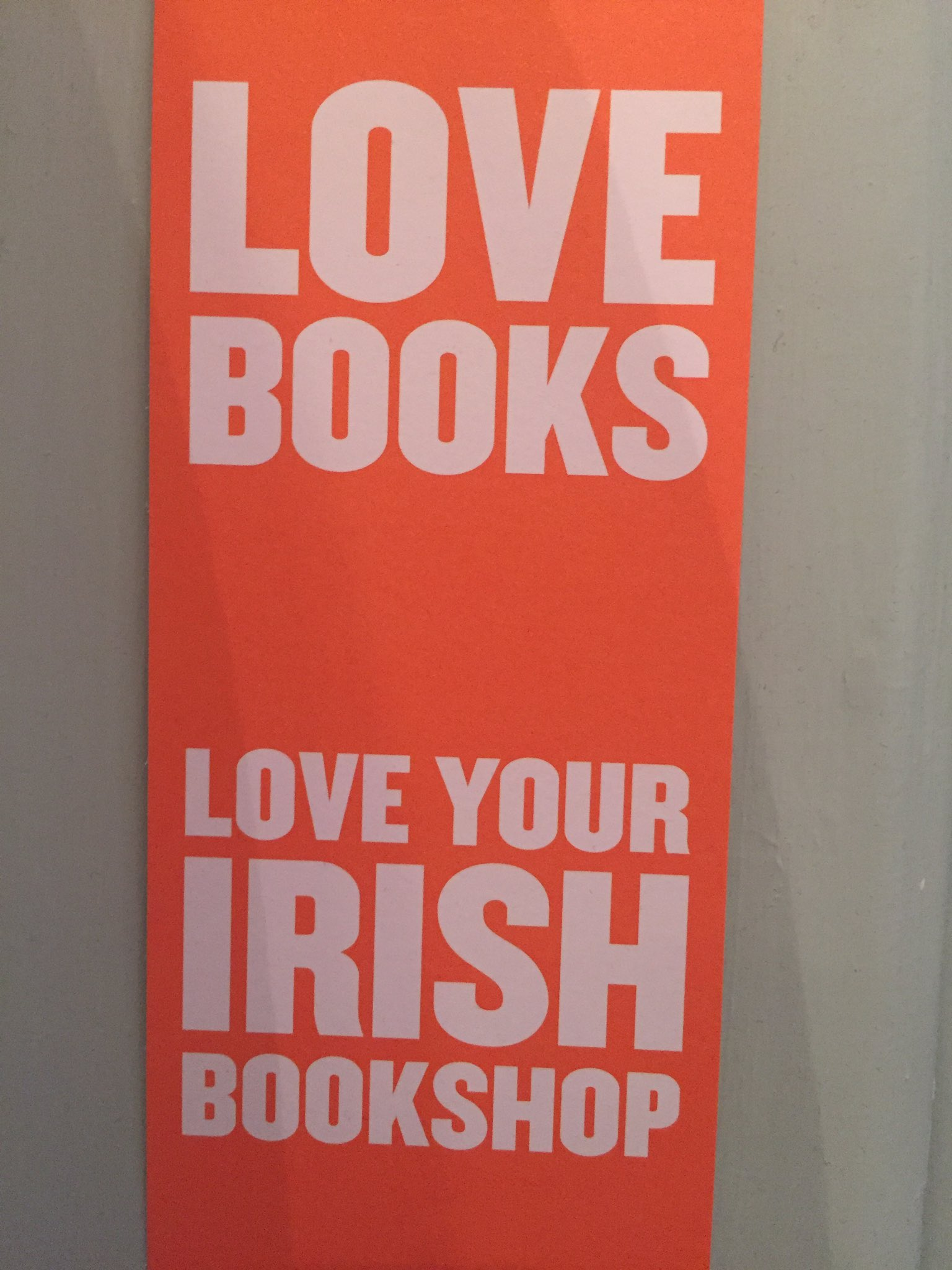 This is what #ibw2017 is all about! #loveyouririshbookshop @RFLong @HazelGaynor @cathryanhoward https://t.co/9z7Wr07FSV