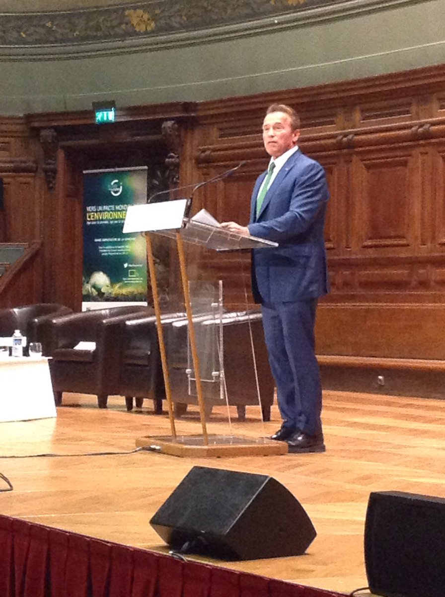 &#39;The USA isn&#39;t just one man. Bussinesses, universities, our citizens remain committed to #AccordDeParis &#39; #PactEnvironment<br>http://pic.twitter.com/u4qQoIhNiI