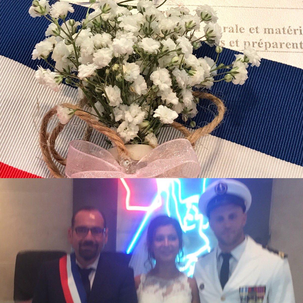 #journée #mariages à la #mairie des 4_5 #marseille. #joie , #union , #bonheur , #emotions.... Que du bonheur. #CaSePasseCommeCaDansLes4_5pic.twitter.com/wUdw5PqCv9
