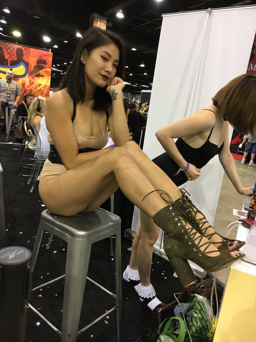 Isn't she just the dreamest? @Sleepy_Chew @chaturbate #exxxoticachicago #livewebcams https://t.co/KV