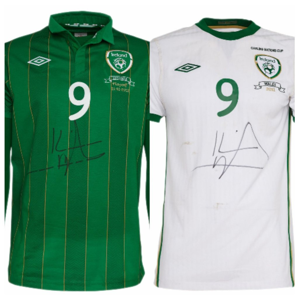 Easily the nicest #homeandaway pair I&#39;ve seen since Sally left Summer Bay. @KevinDoyle1983 #COYBIG<br>http://pic.twitter.com/O4fJEVQrcj