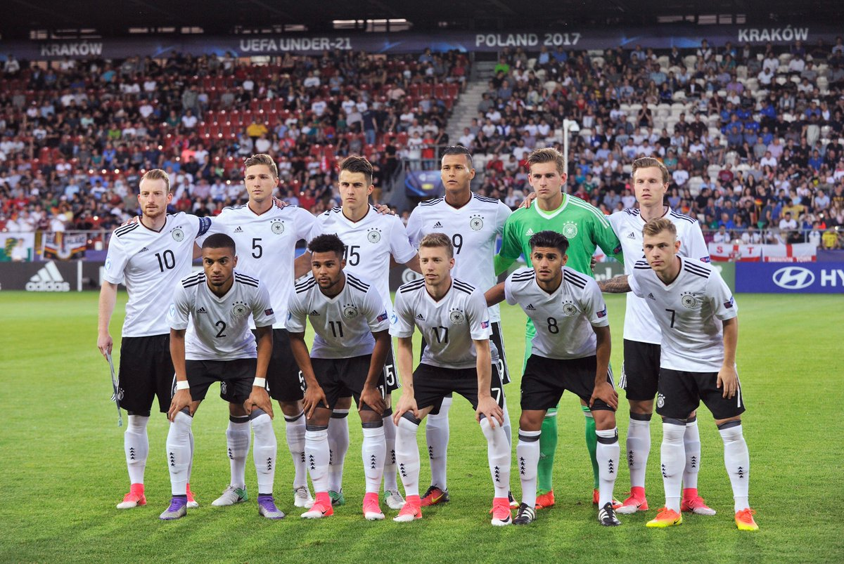 Away we go!  A place in the semi-finals is at stake. Come on boys! 🇩🇪...
