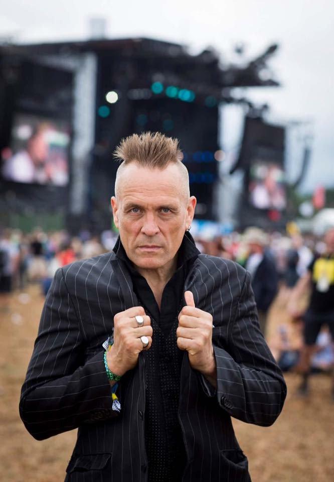 #johnrobb photo by #theguardian at #Glastonbury2017<br>http://pic.twitter.com/AQ3mVRwjJ0