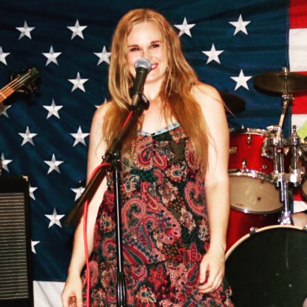 Check out my #live #performance of my debut #single &quot;Doin It Right&quot;.  https://www. facebook.com/miranda.miller .9275439/posts/427683514297106 &nbsp; … <br>http://pic.twitter.com/KcNiX4zcaI