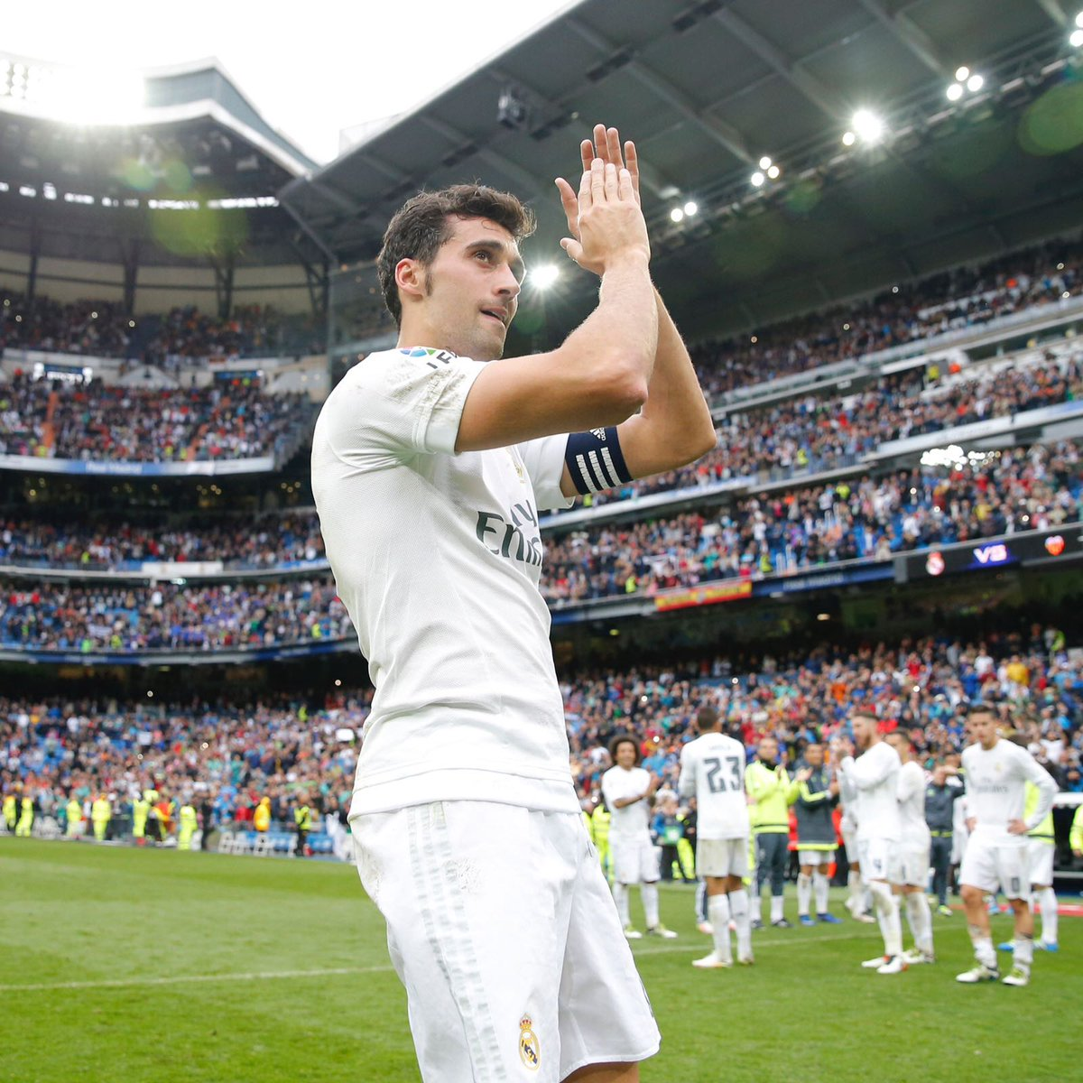 @aarbeloa17 Madridista heart, we are proud that you defended our badge and our shirt.  #RealMadrid <br>http://pic.twitter.com/psBjDbdmGH