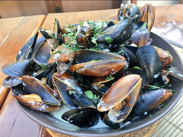 Mussels with red onion,white wine,cream,lime,fresh parsley #mussels #fresh #summer #recipe #food #cooking #homecooking #yummy <br>http://pic.twitter.com/KHop2U8Bit