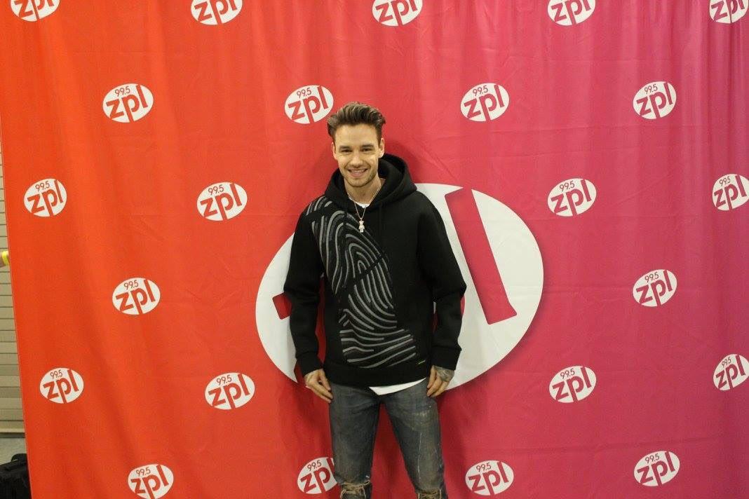 #New   @LiamPayne during M&amp;G at #zplBirthdayBash - 06.23<br>http://pic.twitter.com/SVFnyVaHR1