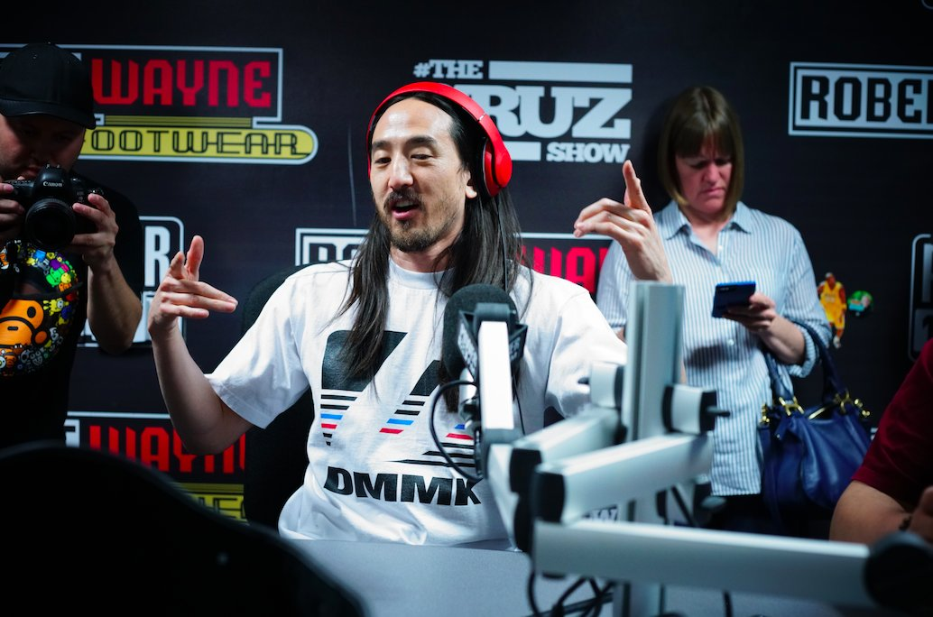 .@steveaoki revealed hip hop collabs in upcoming album + played Gravity Cake with @djlechero https://t.co/FrSUvZNPr5 #TheCruzShow