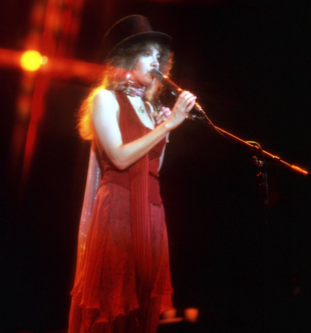 Stevie Nicks' 70s style: a love letter to the queen of boho https://t.co/MVaYZ15aAg