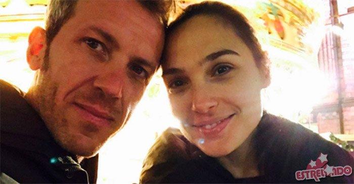 Três meses após dar à luz, atriz de Mulher-Maravilha quer um terceiro filho! https://t.co/NHJ4eGgrKJ