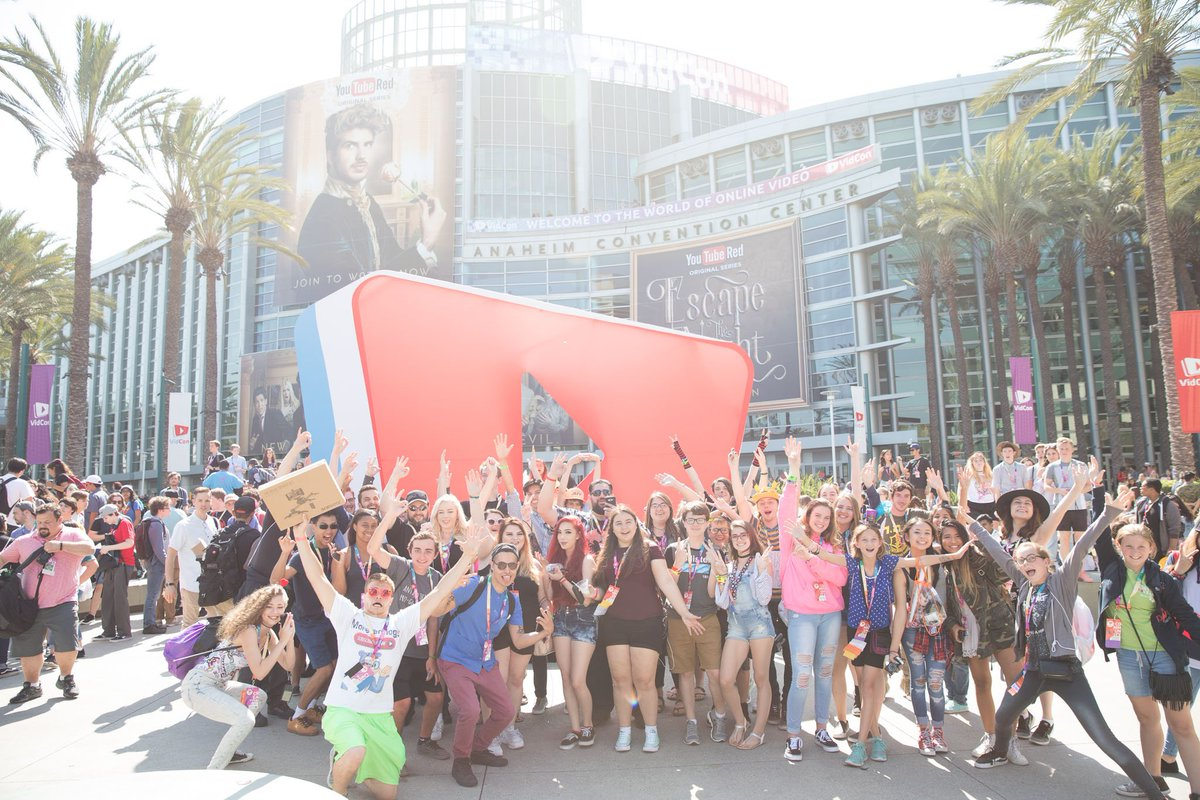 🔴 [LIVE]: Day 3 of #VidConUS. May the Wi-Fi be with you. 📶 📱 https://t...