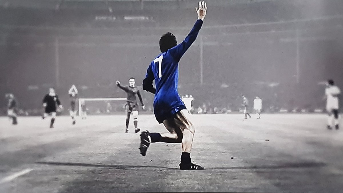 George Best: All by Himself: https://t.co/sNsXGC7pk4 via @bbciplayer #...